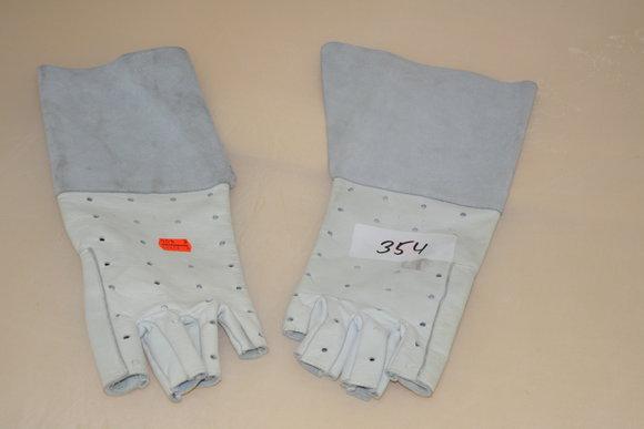 Fingerlose Langarm-Lederhandschuhe